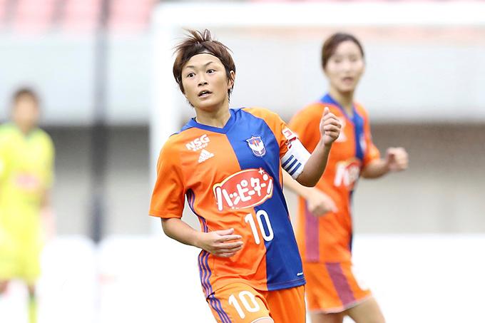 レディース・上尾野辺 めぐみ 選手 プロ契約更新のお知らせ